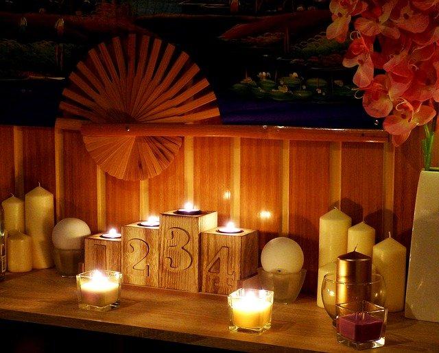 vějíř, čísla, svíčky
