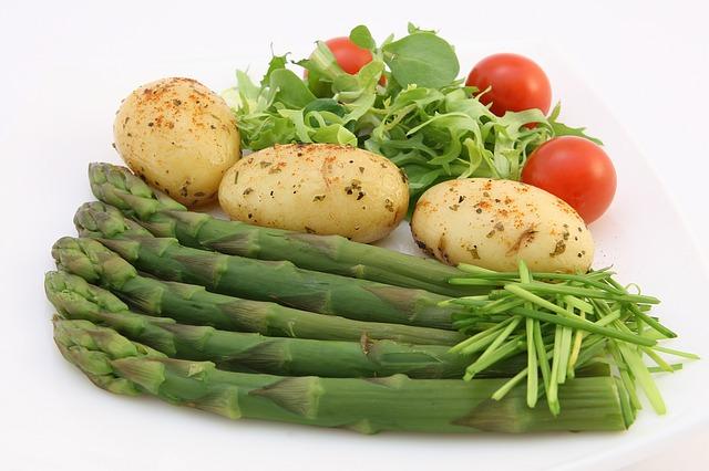 chřest, brambory, rajčata
