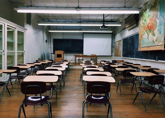 třída s plátnem