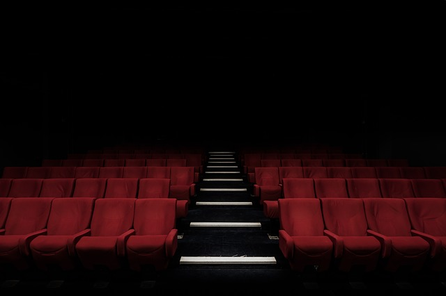 hlediště v divadle