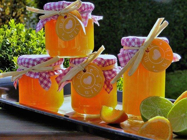 skleničky džemu